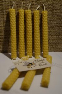 8 Beeswax Candles 13 cm x 1.3 cm